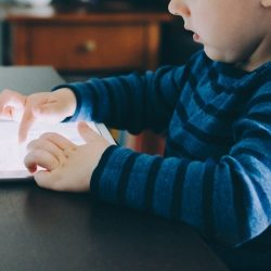 Negative effects of screen time on kids